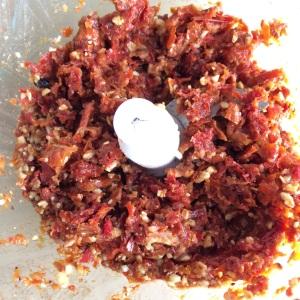 pesto rosso oinienkerne getrocknete tomaten