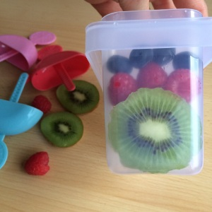 Wassereis selber machen aus Früchten ohne Zucker zuckerfrei
