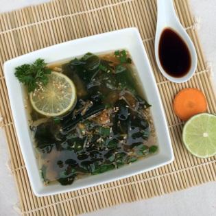 Suppe Algen Wakame asiatisch Sojasoße
